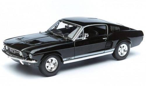 Maisto 1:18 Ford Mustang GTA Coupe Fastback (1967) sportautó 31166