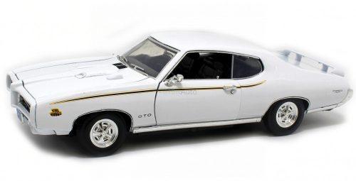 Motormax 1:18 Pontiac GTO Judge (1969) sportautó - White 73133